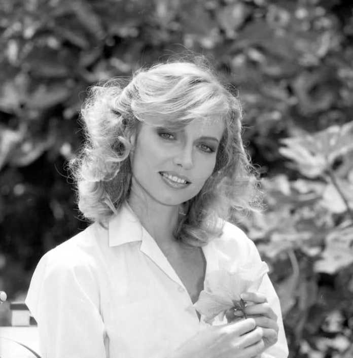 Cindy Morgan Sexiest Pictures (41 Photos)