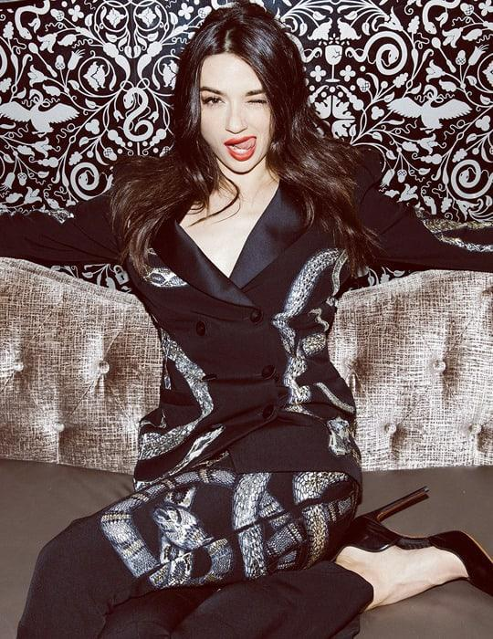 Crystal Reed Sexiest Pictures (41 Photos)