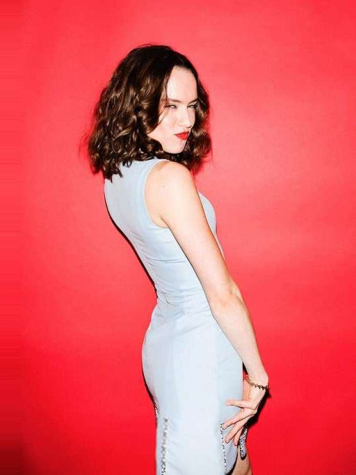 Daisy Ridley Hottest Pictures (41 Photos)