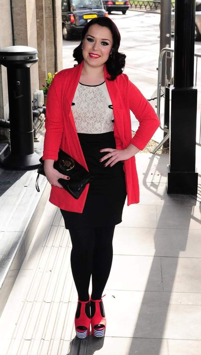 Dani Harmer Hottest Pictures (39 Photos)