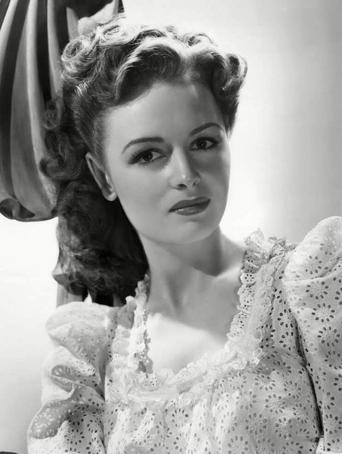 Donna Reed Hottest Pictures (41 Photos)