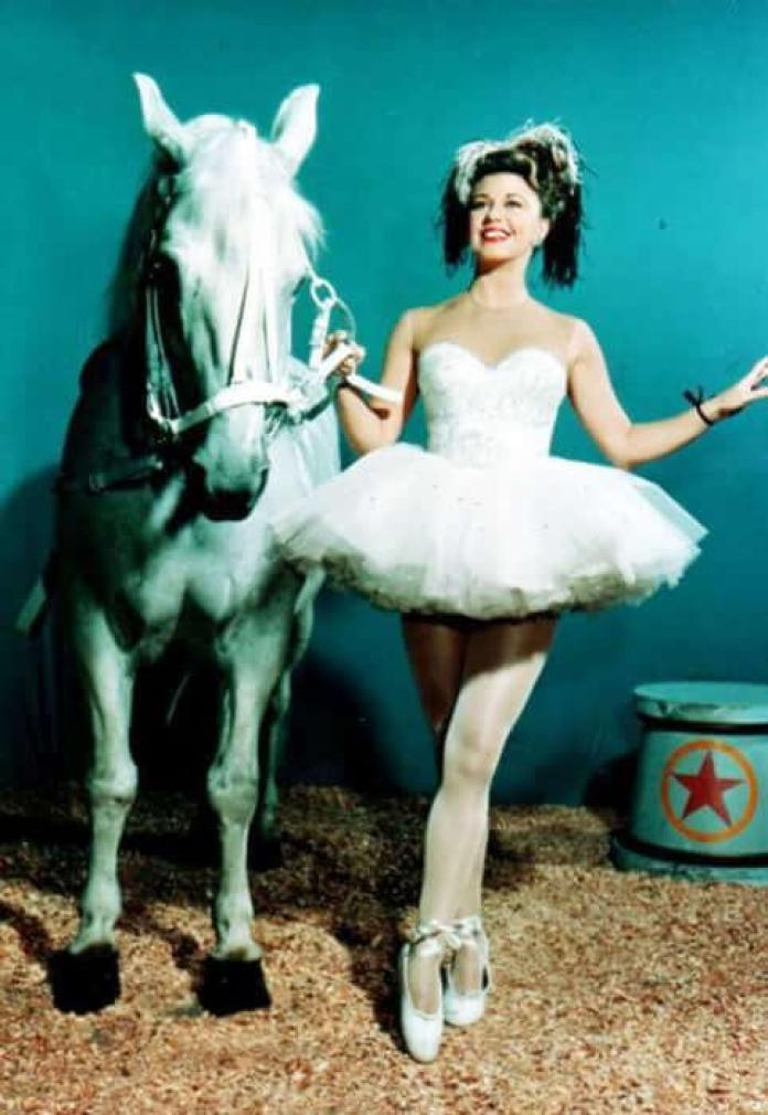 Ginger Rogers Hottest Pictures (41 Photos)