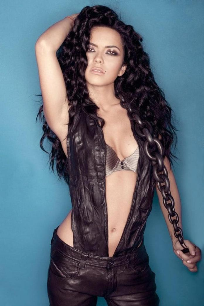 Inna Sexiest Pictures (41 Photos)