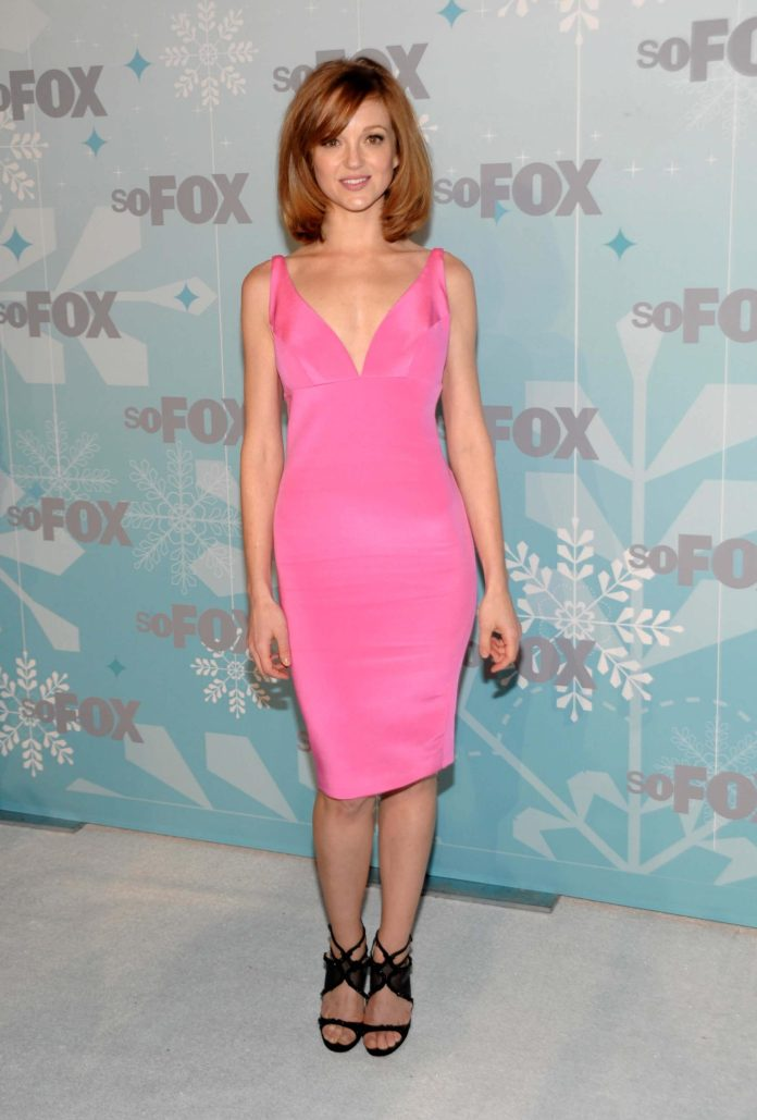 Jayma Mays Sexiest Pictures (41 Photos)