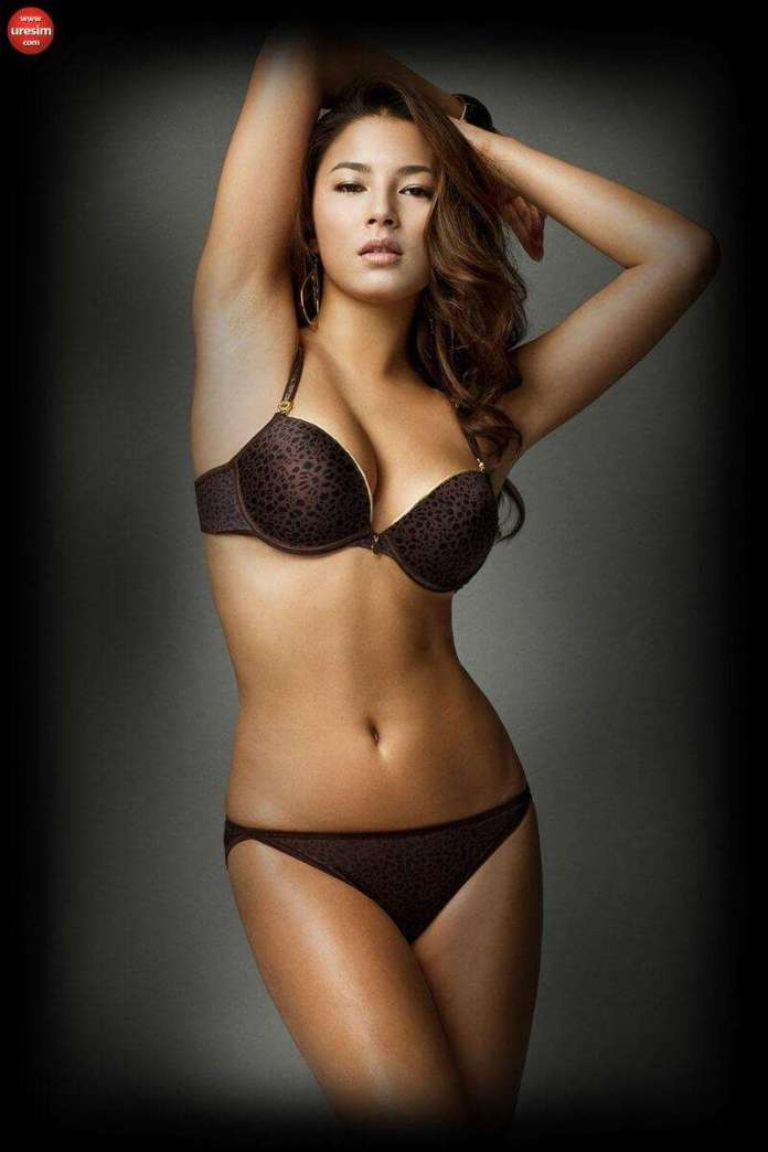 Jessica Gomes Sexiest Pictures (41 Photos)