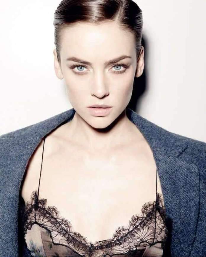 Jessica Stroup Hottest Pictures (41 Photos)