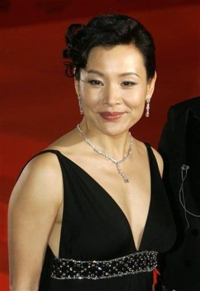 Joan Chen Hottest Pictures (41 Photos)