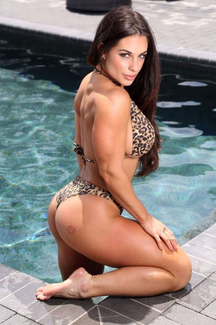 Kaitlyn Sexiest Pictures (41 Photos)