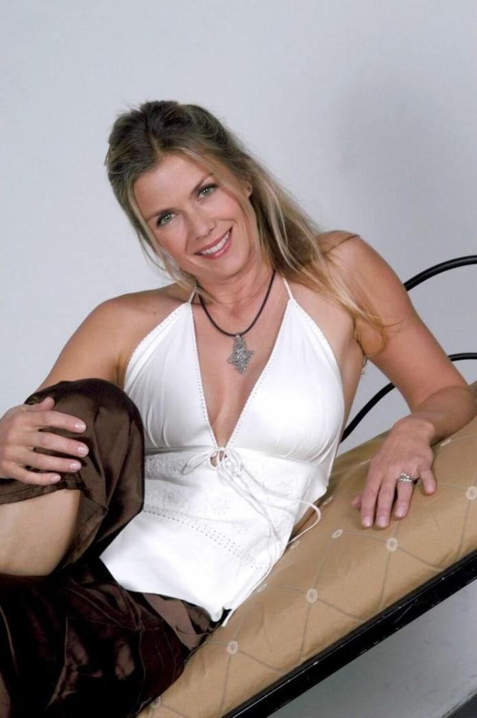 Katherine Kelly Lang Hottest Pictures (41 Photos)