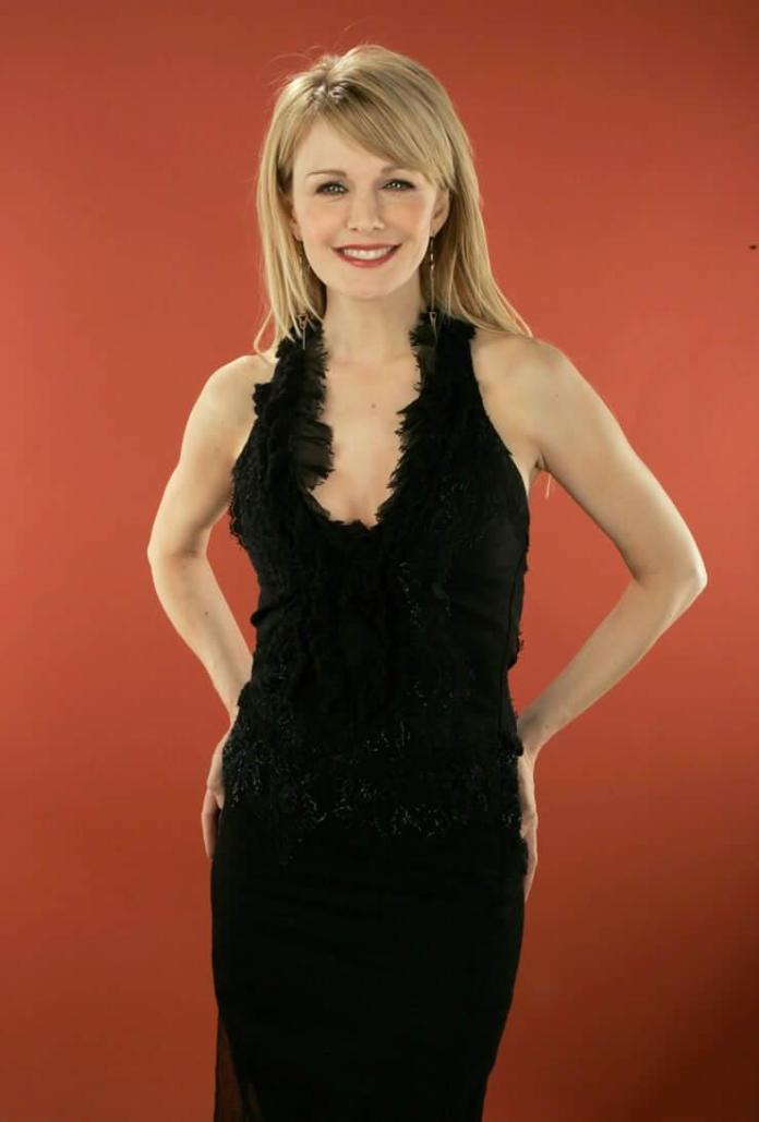 Kathryn Morris Sexiest Pictures (41 Photos)