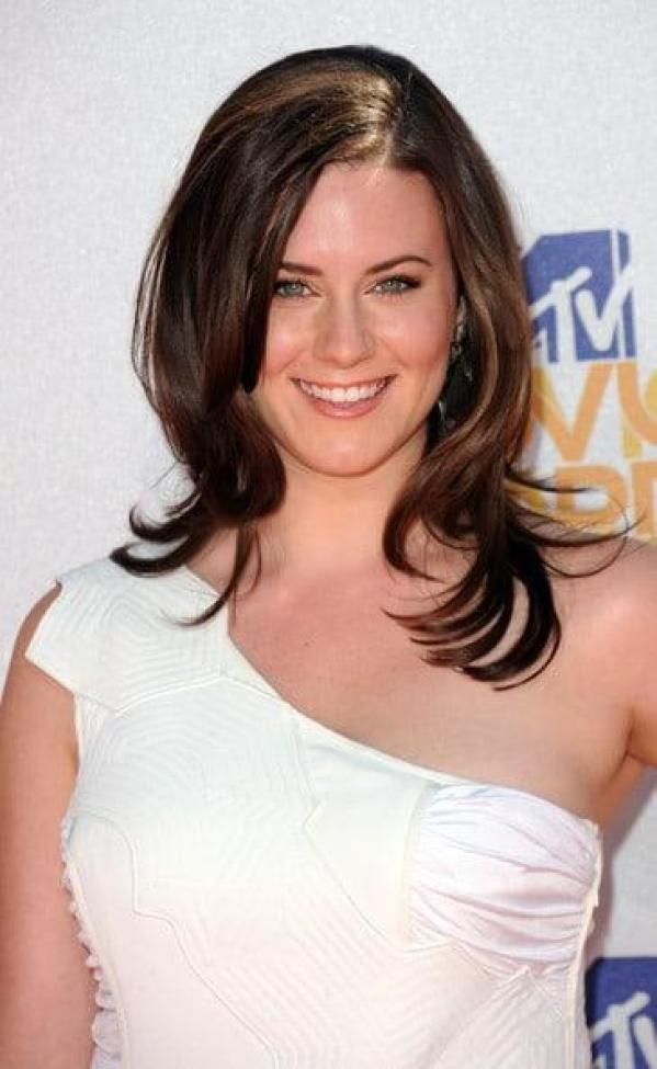 Katie Featherston Sexiest Pictures (41 Photos)