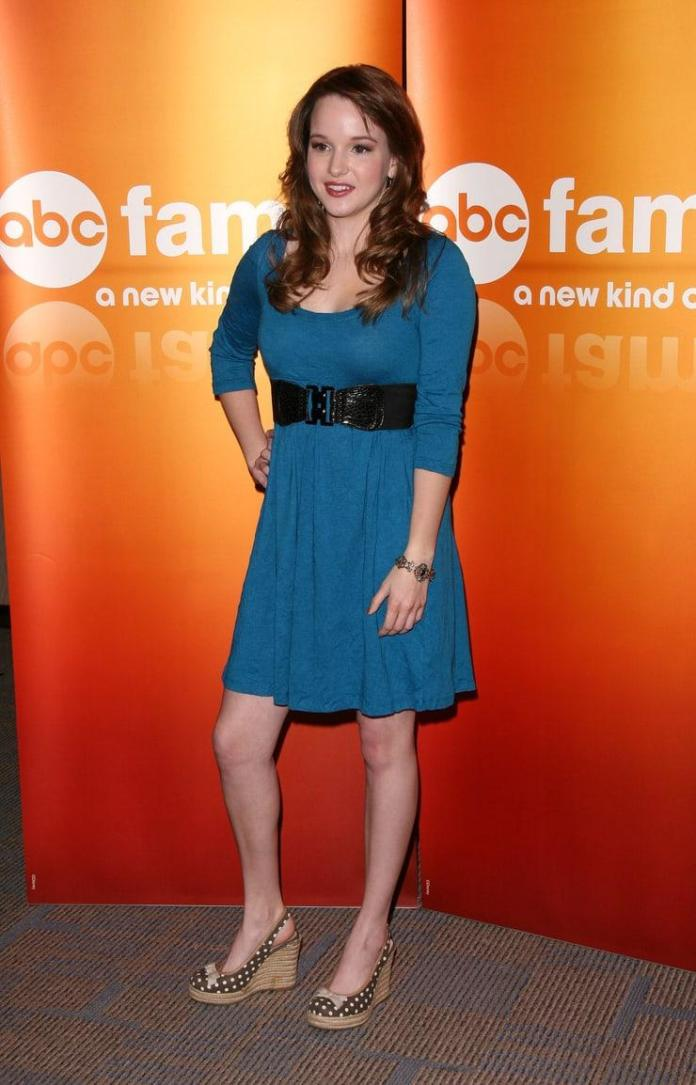 Kay Panabaker Sexiest Pictures (41 Photos)