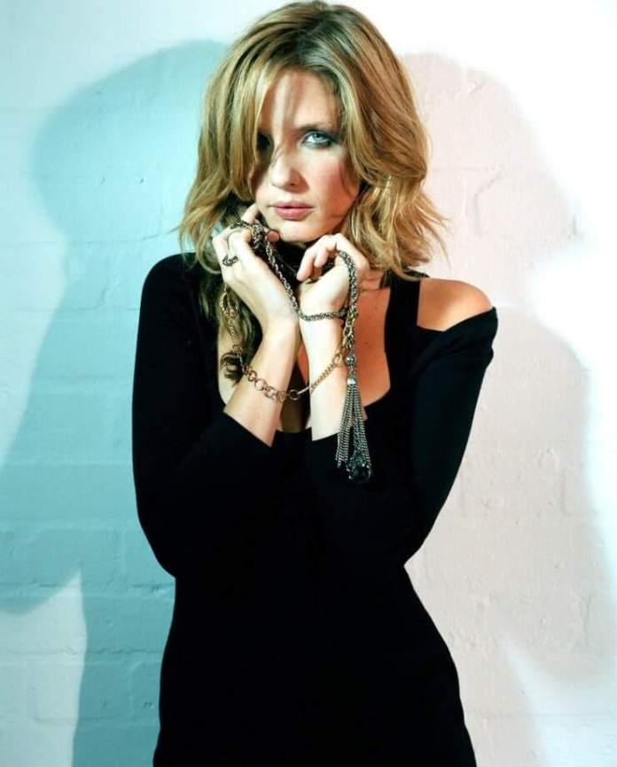 Kelly Reilly Hottest Pictures (41 Photos)