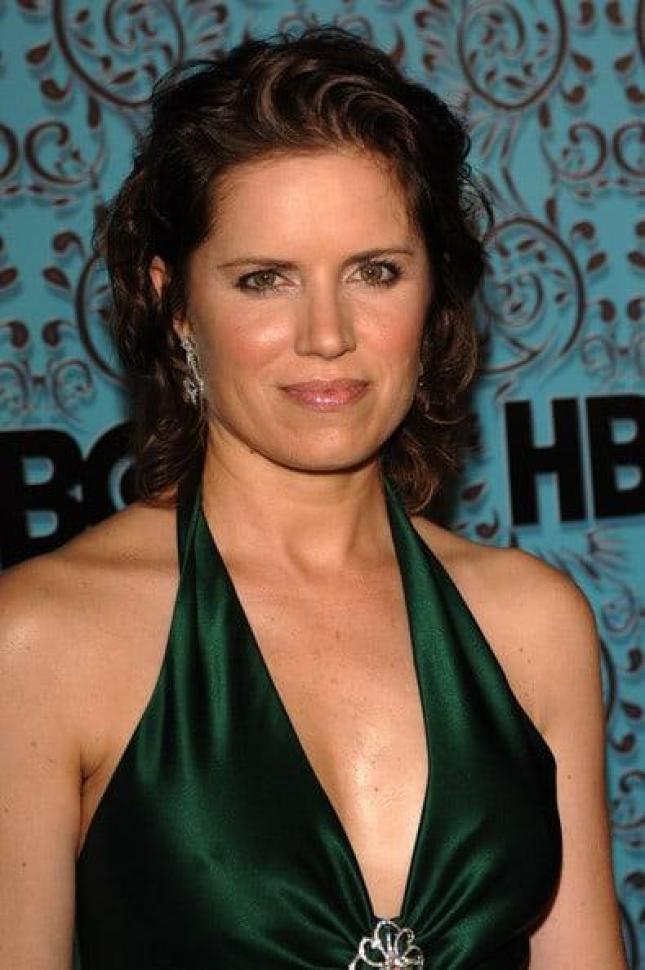 Kim Dickens Sexiest Pictures (41 Photos)