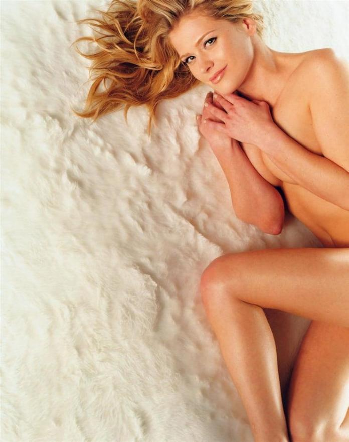 Kristy Swanson Hottest Pictures (41 Photos)
