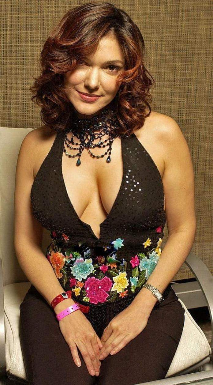 Laura Harring Hottest Pictures (41 Photos)