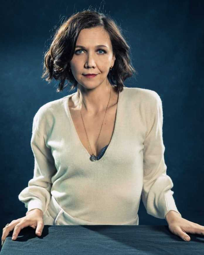 Maggie Gyllenhaal Sexiest Pictures (51 Photos)