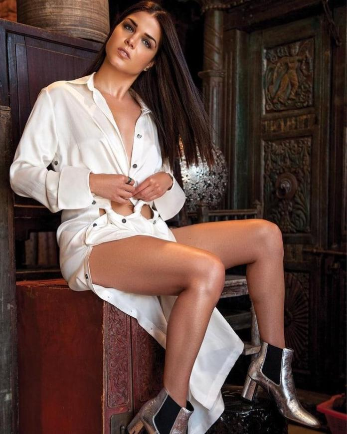 Marie Avegropoulos Sexiest Pictures (41 Photos)