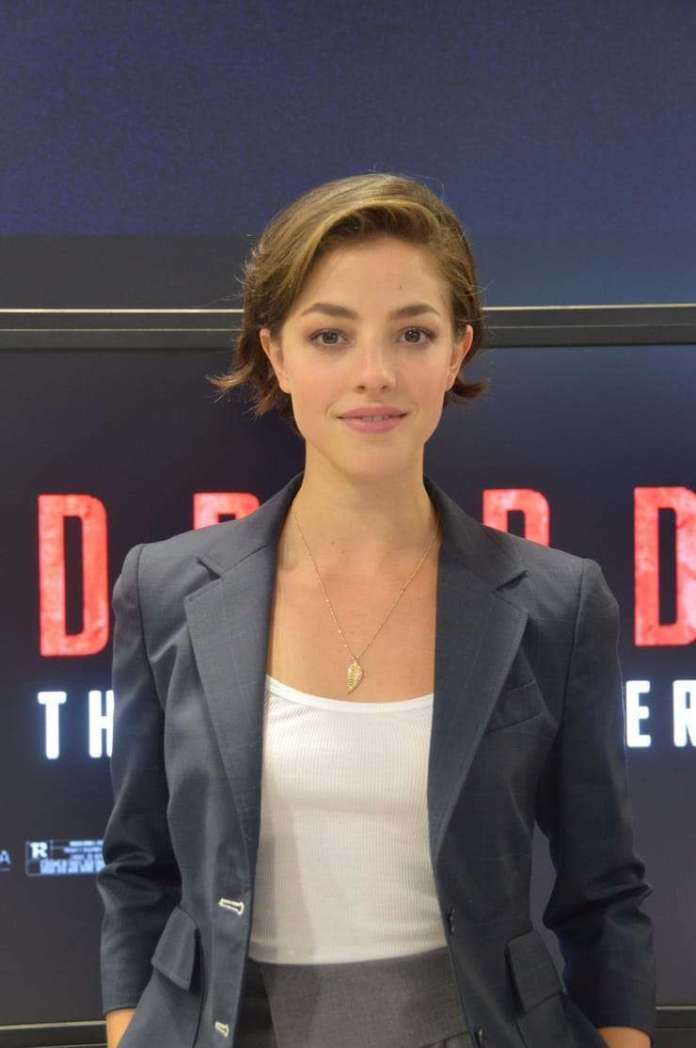 Olivia Thirlby Sexiest Pictures (41 Photos)
