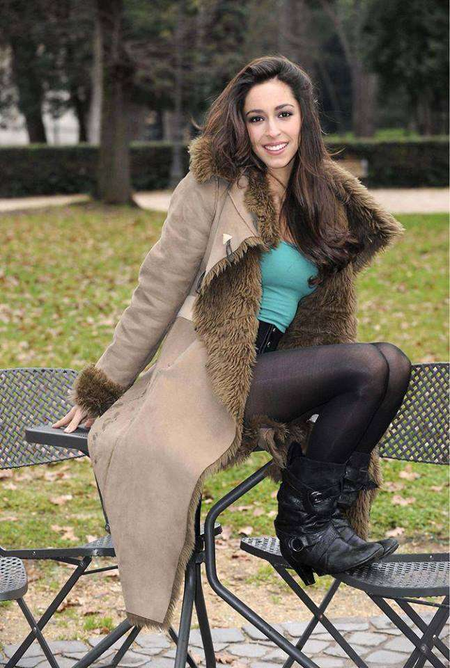 Oona Chaplin Hottest Pictures (41 Photos)