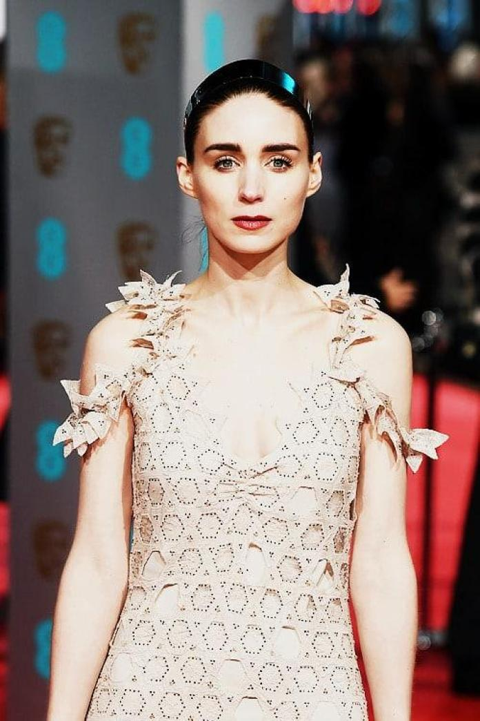 Rooney Mara Sexiest Pictures (41 Photos)