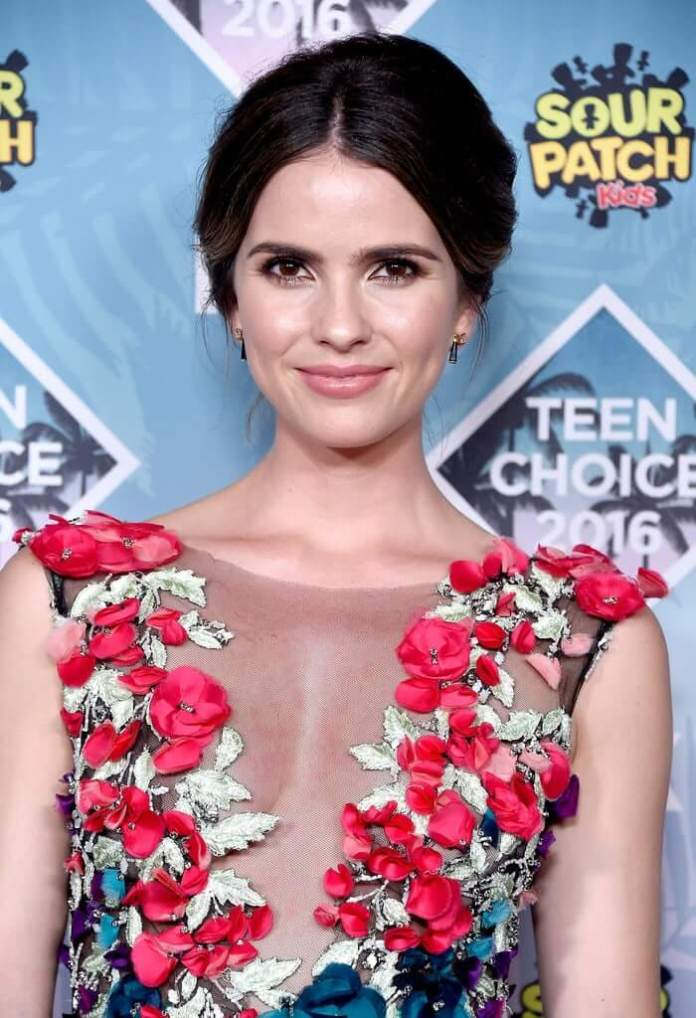 Shelley Hennig Sexiest Pictures (41 Photos)
