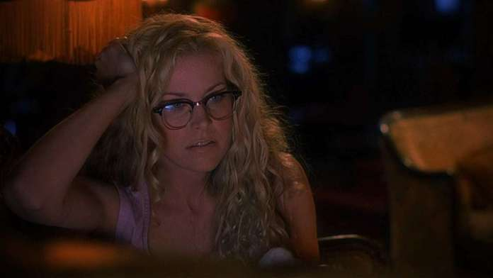 Sheri Moon Zombie Hottest Pictures (16 Photos)
