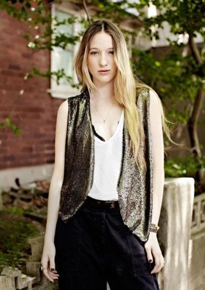 Sophie Lowe Sexiest Pictures (41 Photos)