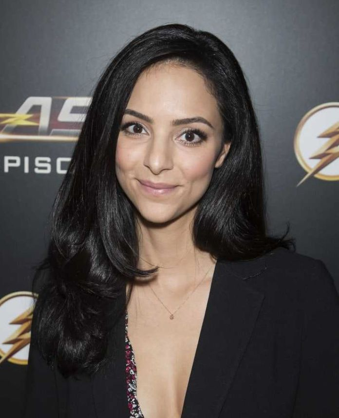 Tala Ashe Sexiest Pictures (41 Photos)