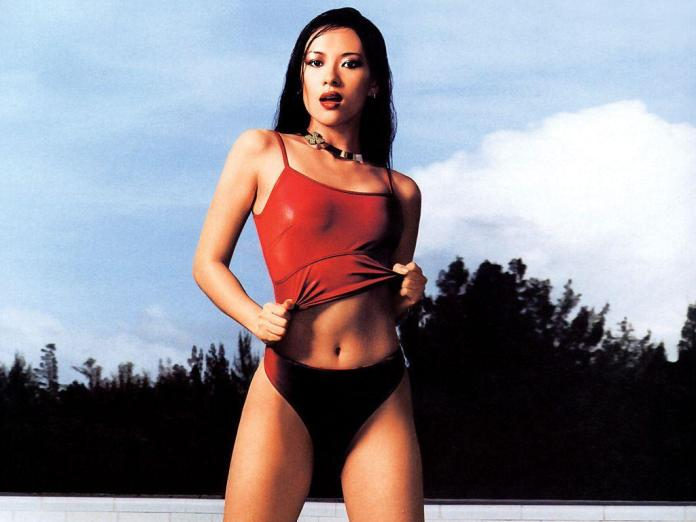 Zhang Ziyi Sexiest Pictures (41 Photos)