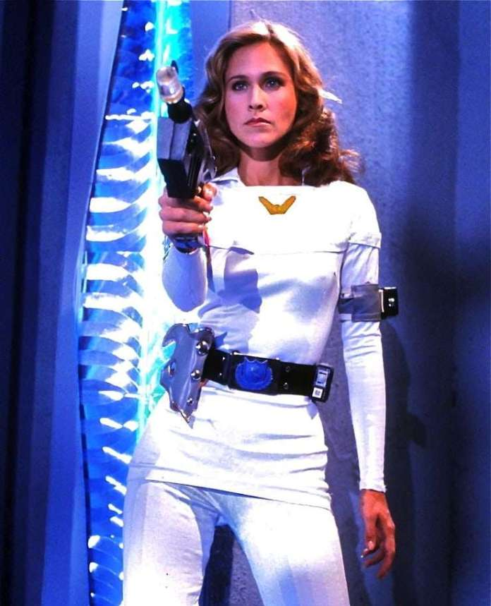 Erin Gray Hottest Pictures (41 Photos)