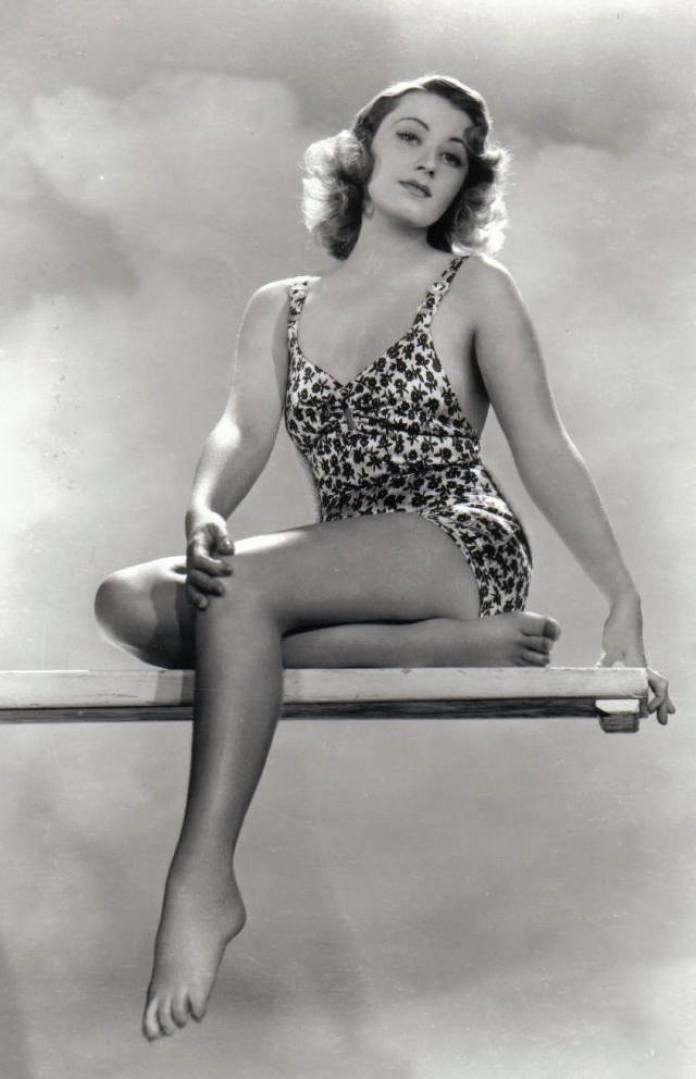 Joan Blondell Sexiest Pictures (39 Photos)