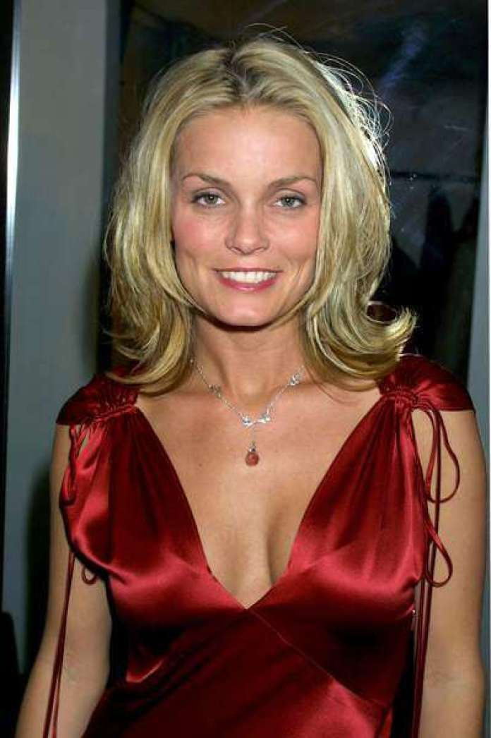 Kelly Packard Hottest Pictures (41 Photos)