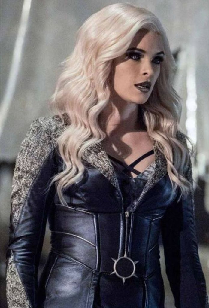 Killer Frost Sexiest Pictures (39 Photos)
