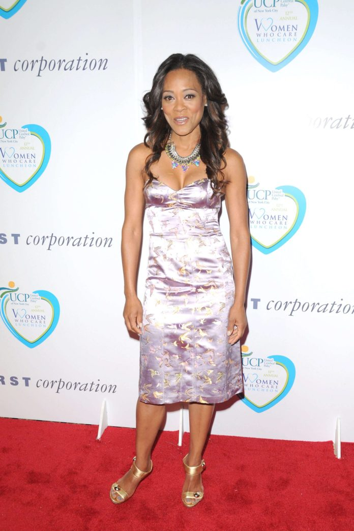 Robin Givens Sexiest Pictures (41 Photos)