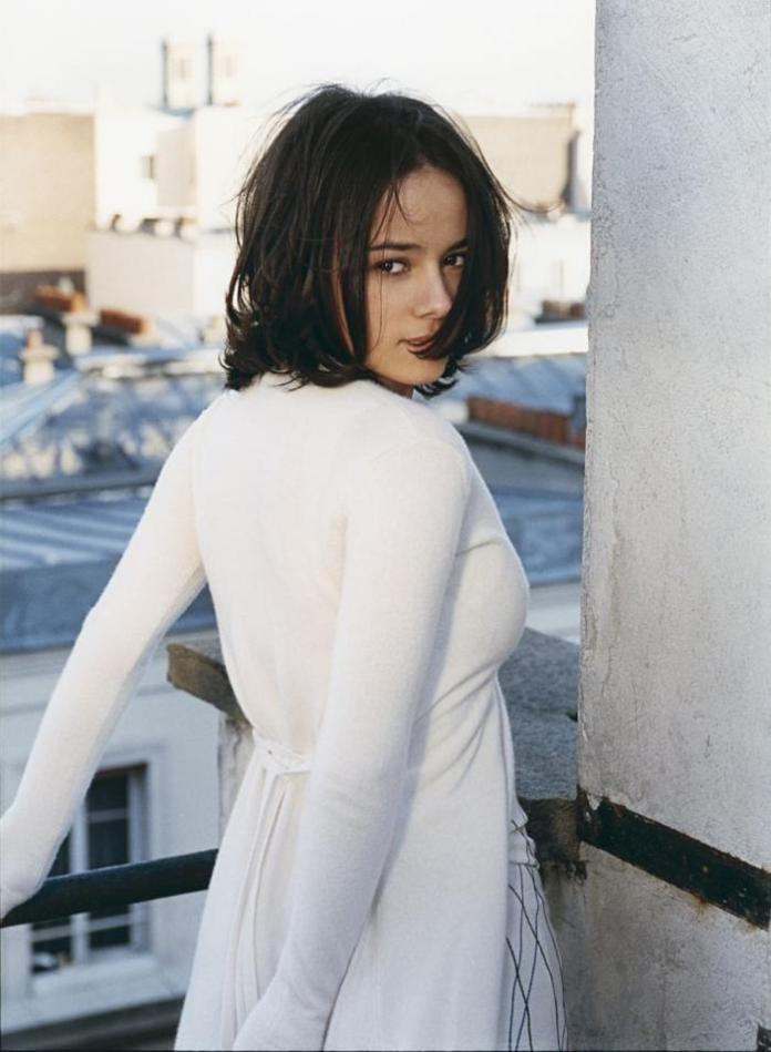 Alizée Hot And Sexy Pictures (41 Photos)