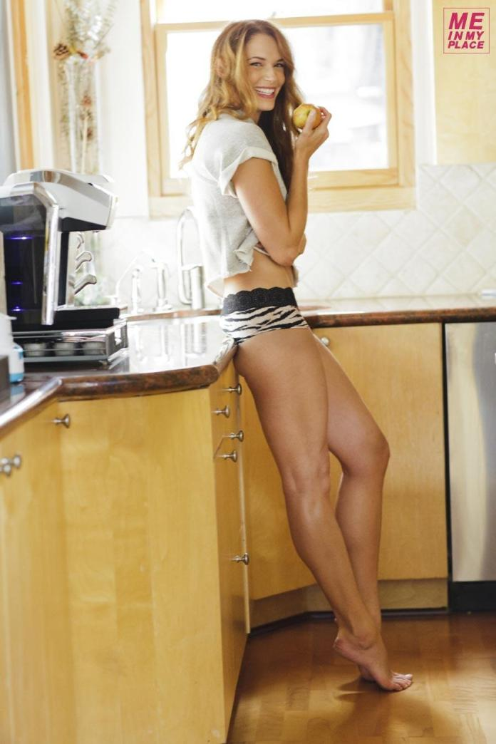 Amanda Righetti Hot And Sexy Pictures (41 Photos)