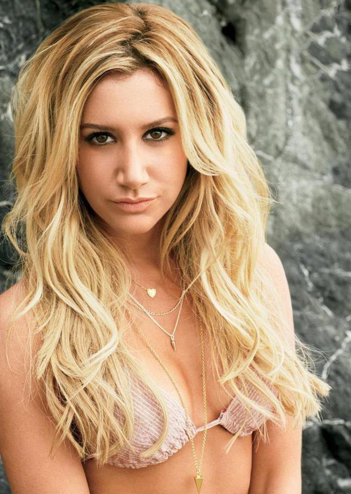 Ashley Tisdale Hot And Sexy Pictures (41 Photos)