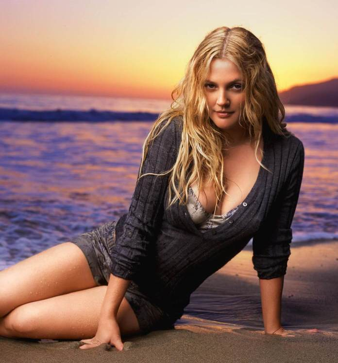 Drew Barrymore Hot And Sexy Pictures (41 Photos)