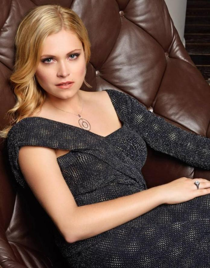 Eliza Taylor Hot And Sexy Pictures (40 Photos)