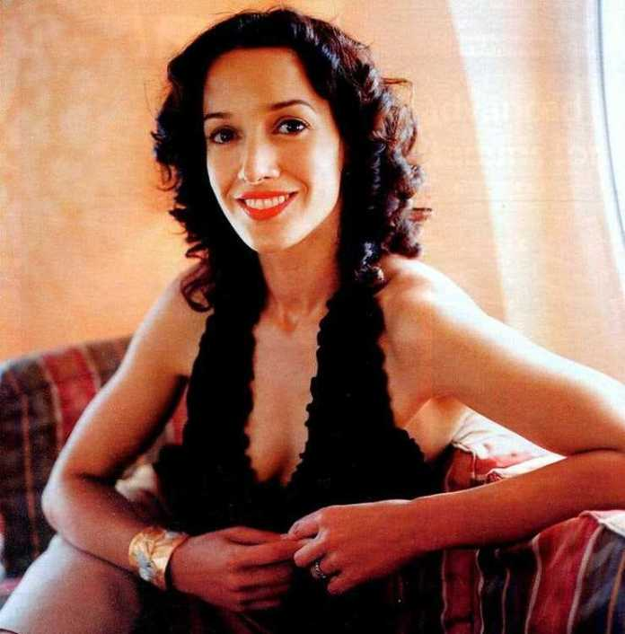 Jennifer Beals Hot And Sexy Pictures (41 Photos)