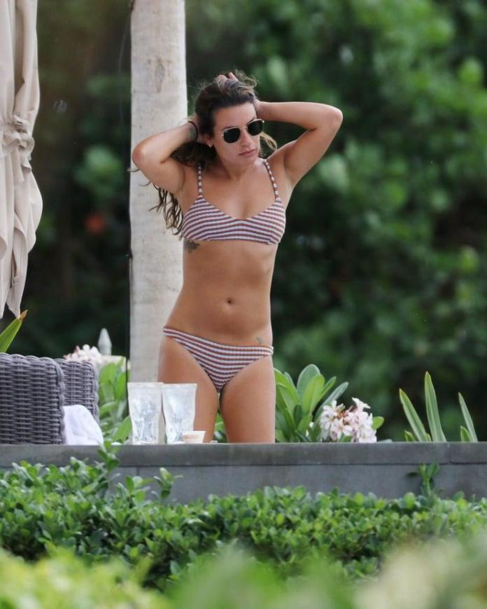 Lea Michele Hot And Sexy Pictures (41 Photos)