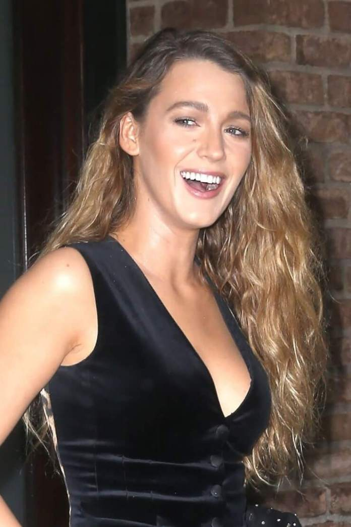 Blake Lively Hot And Sexy Pictures (63 Photos)