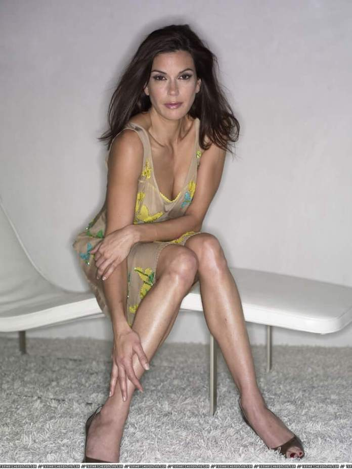 Teri Hatcher Hot And Sexy Pictures (62 Photos)