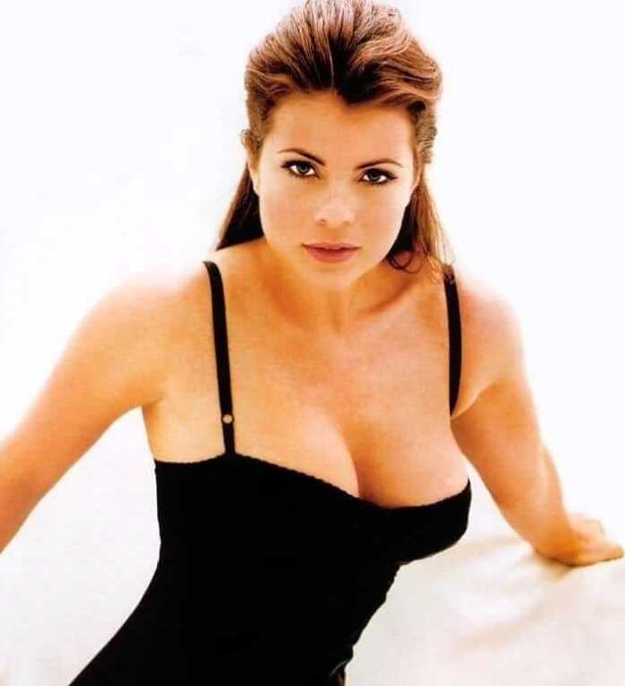 Yasmine Bleeth Hot And Sexy Pictures (63 Photos)