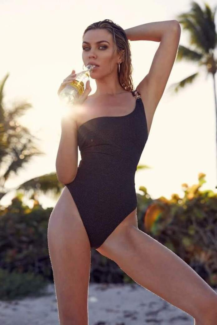 Abbey Clancy Hottest Pictures (40 Photos)