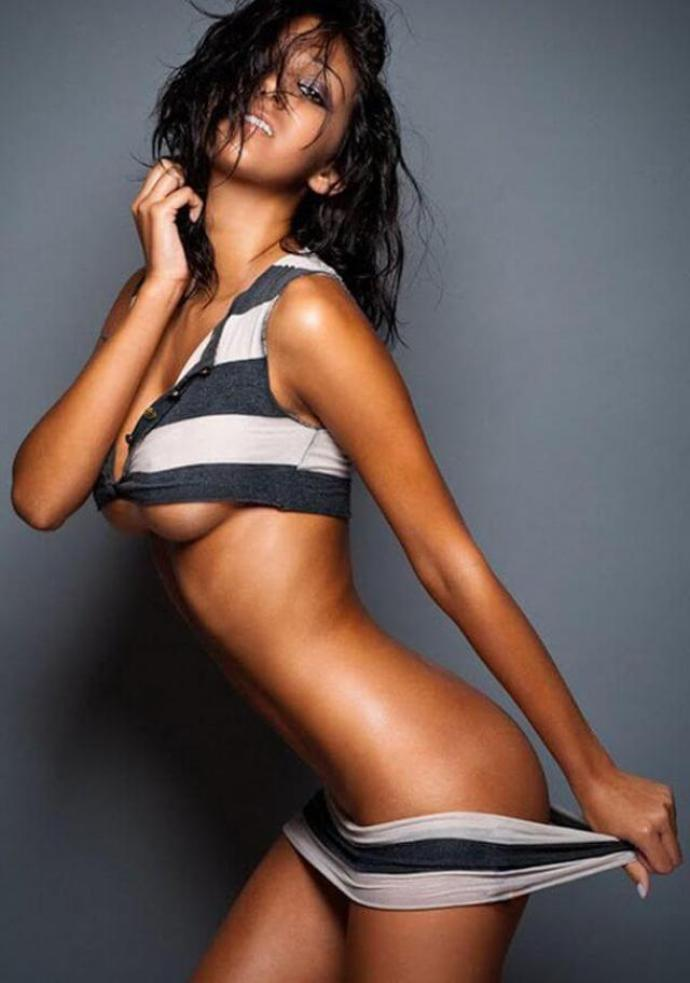 Ashley Sky Sexiest Pictures (40 Photos)