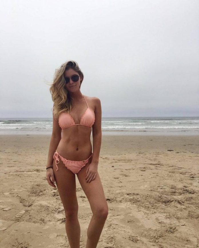 Carly Lauren Sexiest Pictures (40 Photos)
