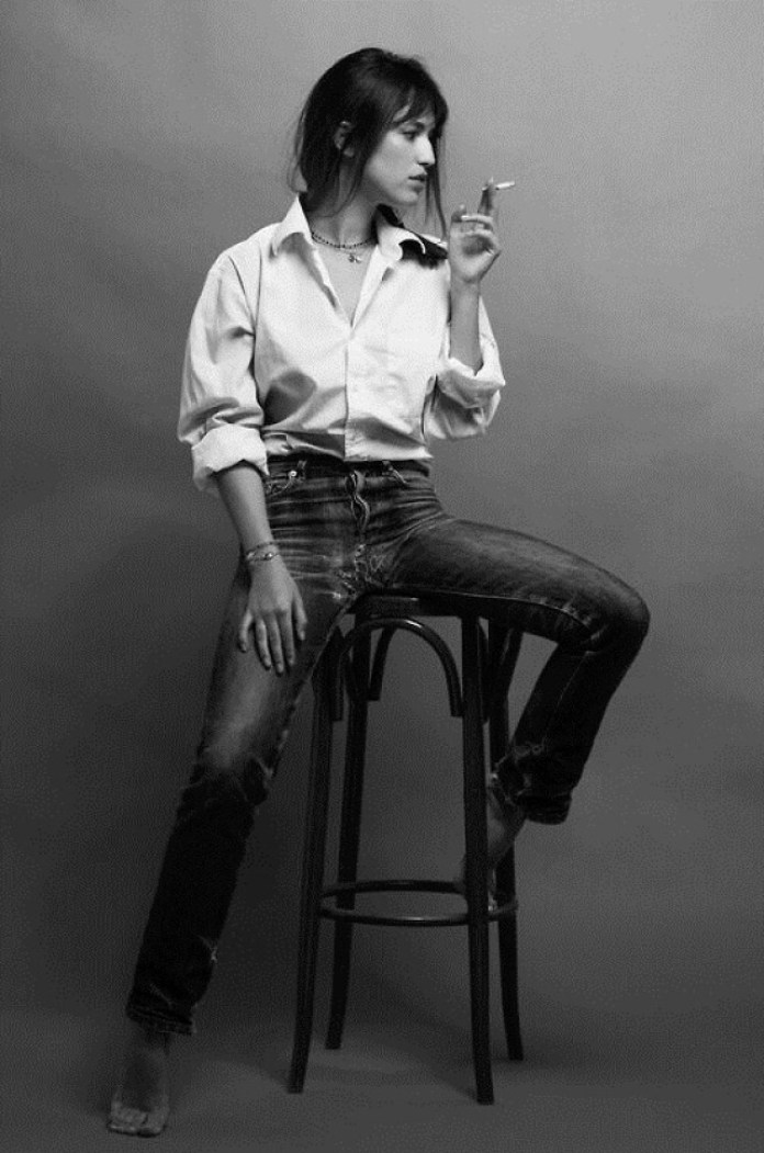 Charlotte Gainsbourg Sexiest Pictures (40 Photos)