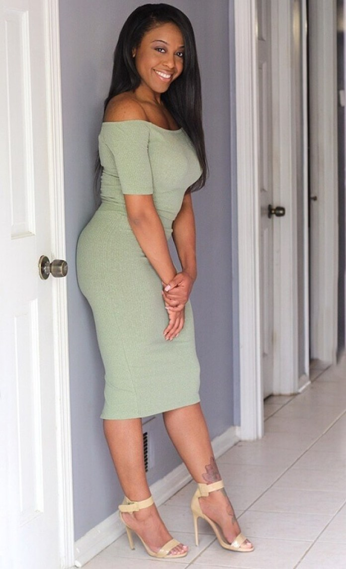 DomiNque Perry Hottest Pictures (40 Photos)